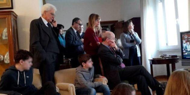 Sergio Mattarella segue lo spoglio in famiglia per l'elezione del Presidente della Repubblica