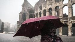 Roma si risveglia sotto il nubifragio, allagamenti e traffico in tilt