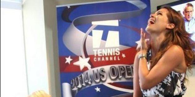 Martina Navratilova chiede alla compagna Julia Lemigova in sposarla durante la diretta tv agli Open maschili...