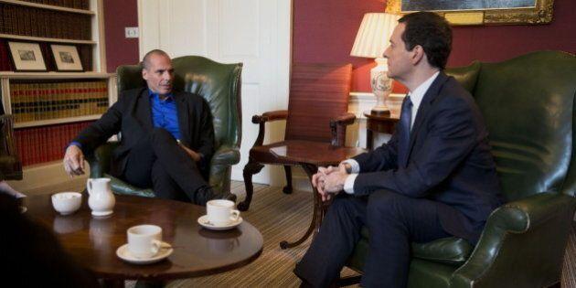 Yanis Varoufakis vestito da rockstar incontra il ministro del Tesoro britannico George Osborne