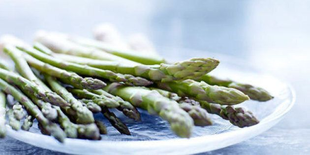 Ecco i cibi che aiutano a ripulire il fegato: non solo acqua, riso e asparagi