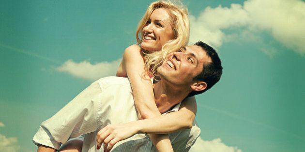 L'amicizia rafforza l'amore: secondo la scienza le relazioni migliori nascono tra persone che sono state...