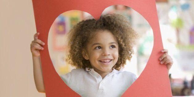 Fare del bene agli altri ci rende più sani. Uno studio su PNAS dimostra i benefici dell'altruismo su...
