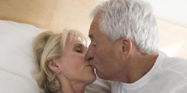 anziani che hanno rapporti sessuali con i giovani grande ebano pene immagini