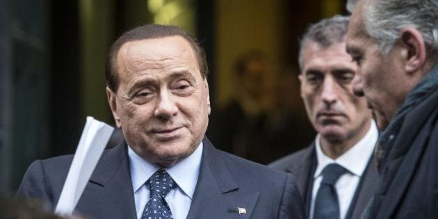 Sergio Mattarella, nel giorno del giuramento Silvio Berlusconi al Colle re-insedia Verdini e giura fedeltà...
