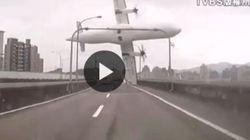 La virata, poi la coda tocca il viadotto e l'aereo si schianta