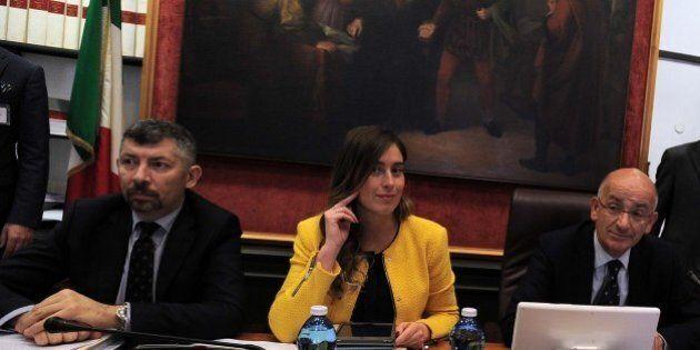 Italicum, il giorno dell'Aventino in commissione, fra litigate, urla e lanzichenecchi. Le opposizioni...