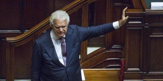 Patto del Nazareno, Denis Verdini assiste in silenzio allo scontro in Forza Italia. Pronto a soccorrere...