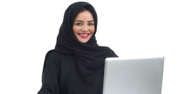 Rai, Ucoii propone cronista con velo islamico. Insorge il centrodestra. Daniela Santanché: