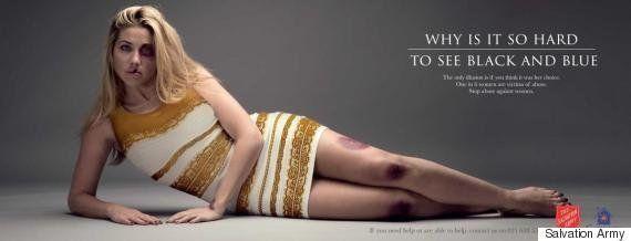 Il cartellone contro la violenza sulle donne cambia aspetto quando i passanti lo guardano. Le ferite...
