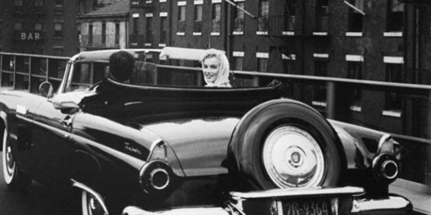 Drive In, la macchina come simbolo di libertà per i maestri della street photography: Robert Frank, Elliott...