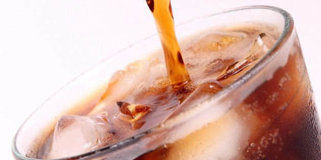 Le bevande dietetiche fanno ingrassare: a causa loro il cervello