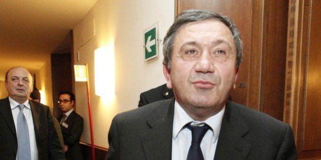 Richiesta d'arresto per il senatore Antonio Azzollini. Un'altra tegola per il partito di Angelino