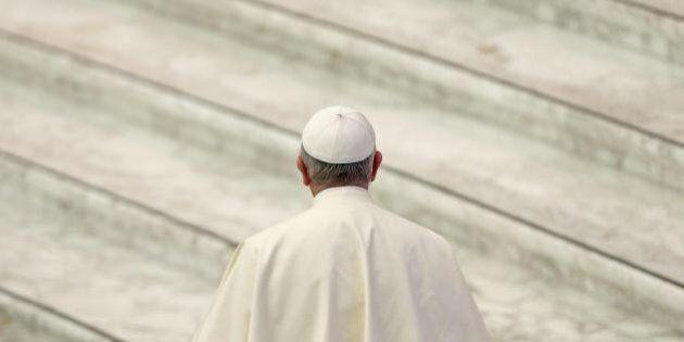 Pedofilia, Papa Francesco inaugura un tribunale per i vescovi che si macchiano di un nuovo reato: abuso...