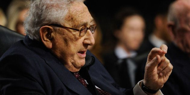 M5s, la Commissione su Aldo Moro vada al summit del Bilderberg per