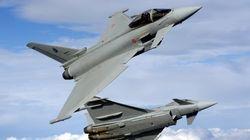 Due caccia scortano aereo a Fiumicino per allarme