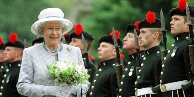 Scozia, la Regina Elisabetta rompe il silenzio: