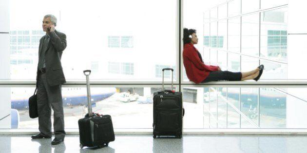 Addio maxi-trolley tra i bagagli a mano. La Iata annuncia nuove regole: dimensioni ridotte del 40 per