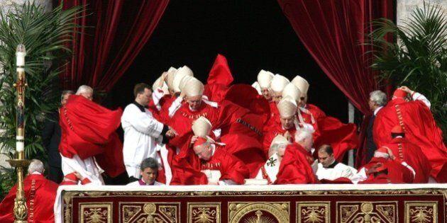 Vaticano, sulla comunione ai divorziati 5 cardinali contro le aperture di Papa Francesco: