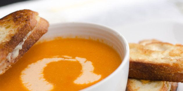 100 ricette di zuppe da cuocere a fuoco lento: pollo, patate verdure e molto altro