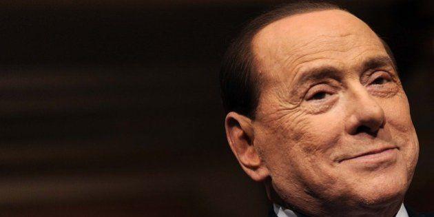 Silvio Berlusconi mette una fiche sul tavolo di Matteo Renzi: un manipolo di senatori Ncd tratta per...