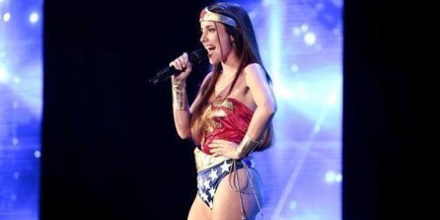 X Factor 8: il meglio e il peggio della prima puntata tra Wonder Woman e il giapponese che canta Mengoni
