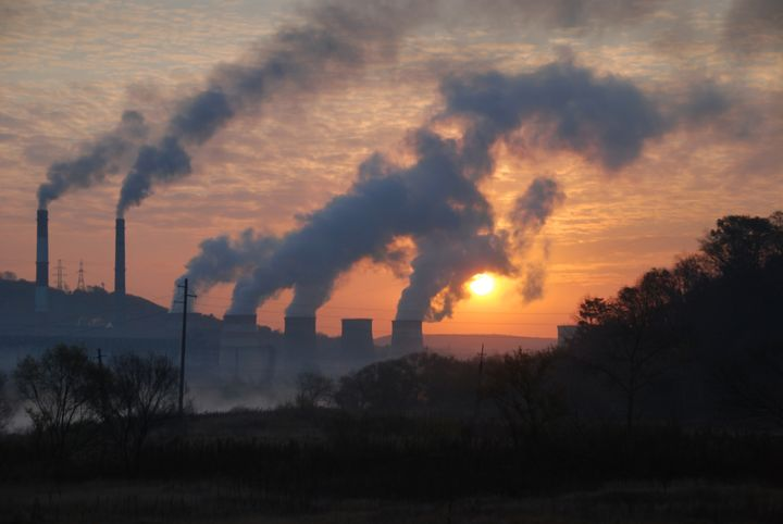 factory pipe polluting air ...