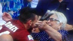 Viva Florenzi, calciatore tenero, che ha rilanciato le nonne, gli abbracci e le