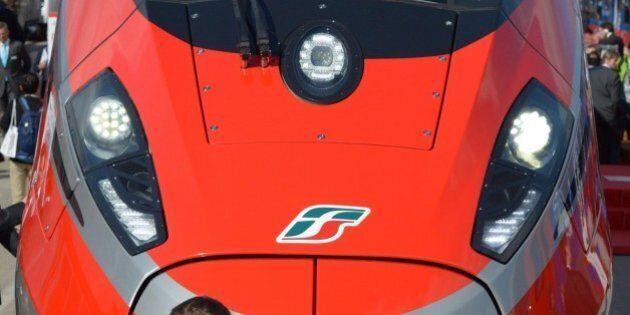 Fs presenta il Frecciarossa1000, treno superveloce capace di viaggiare a 400 km/h sulla rete italiana...