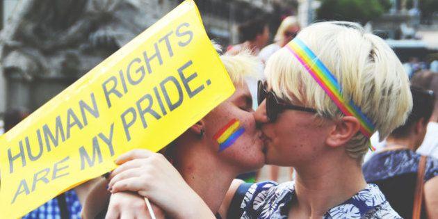Roma Pride 2015, la parata per l'orgoglio Lgbt per chiedere il rispetto dei diritti.