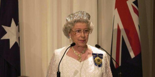 Regina Elisabetta II, sventato un attentato contro la sovrana di Gran Bretagna previsto per