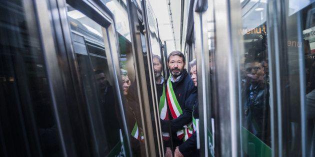 Metro C, dopo l'allagamento non c'è pace per Ignazio Marino: il treno inaugurale si blocca e non arriva...