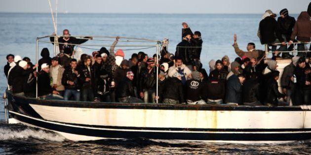 Vertice Ue immigrazione, Mogherini tratterà con l'Onu per gli attacchi agli scafisti. Lontano l'accordo...