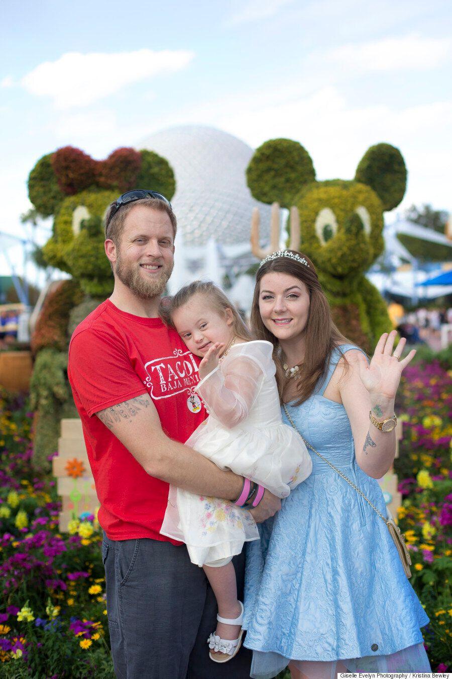 Le foto Disney di questa bambina Down mostrano che
