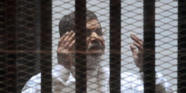 Egitto: Morsi, confermata la condanna a morte. L'avvocato dell'ex presidente: