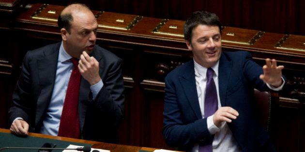 Falso in bilancio, Matteo Renzi sfida Silvio Berlusconi e Ncd