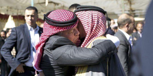 Giordania, la monarchia ricompatta il sodalizio con le tribù beduine. Dopo i raid, l'omaggio alla casa...