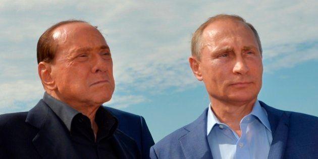Silvio Berlusconi bandito dall'Ucraina per tre anni. La decisione di Kiev dopo la visita in Crimea con...