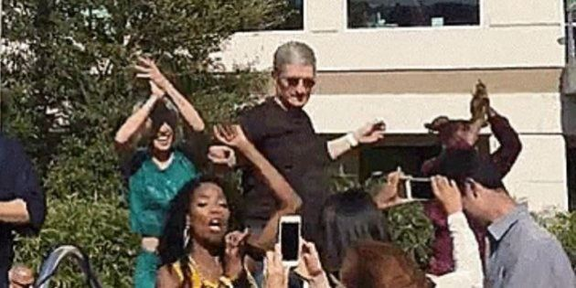 Tim Cook balla