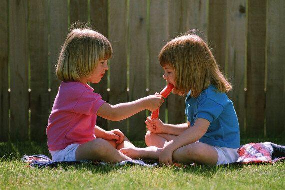 Fratelli e sorelle allungano la vita. 5 motivi scientifici per cui conviene averne