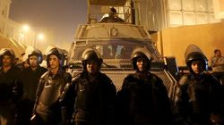 Contestato in casa e pressato da fuori, al Sisi promette legge contro abusi della