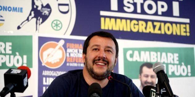 Parlamento Ue, Matteo Salvini vota contro il trasferimento dei profughi dall'Italia. E il M5S volta le...