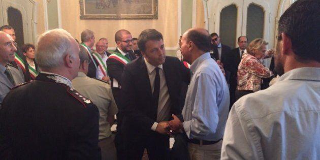 Riforme, abbraccio Renzi-Bersani e i segnali distensivi in Aula della minoranza. Al Senato non ci sarà...