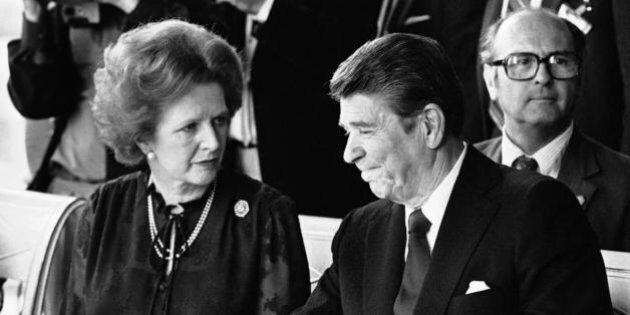 Ronald Reagan si scusa con Margaret Thatcher per l'invasione di Grenada.