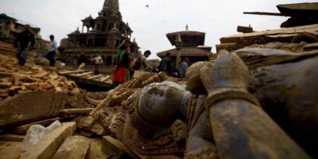 Terremoto Nepal, siti patrimonio dell'Unesco ridotti in macerie. Cosa resta di templi, stupa e palazzi
