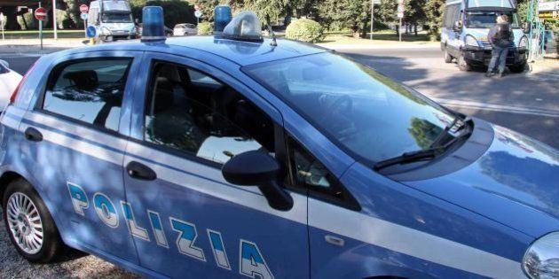 Due tunisini armati trovati a Roma, uno è stato arrestato. La polizia indaga su eventuali collegamenti...