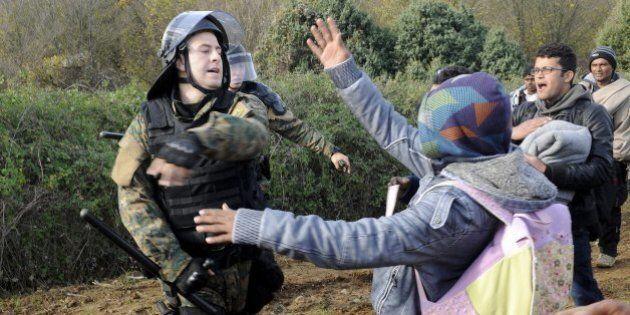 Migranti, Bruxelles pronta a sospendere Schengen per due anni. Ecco il documento riservato