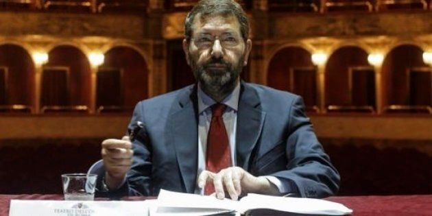 Mafia capitale, Ignazio Marino non pensa a una exit strategy. Va avanti e valuta un rimpasto della sua