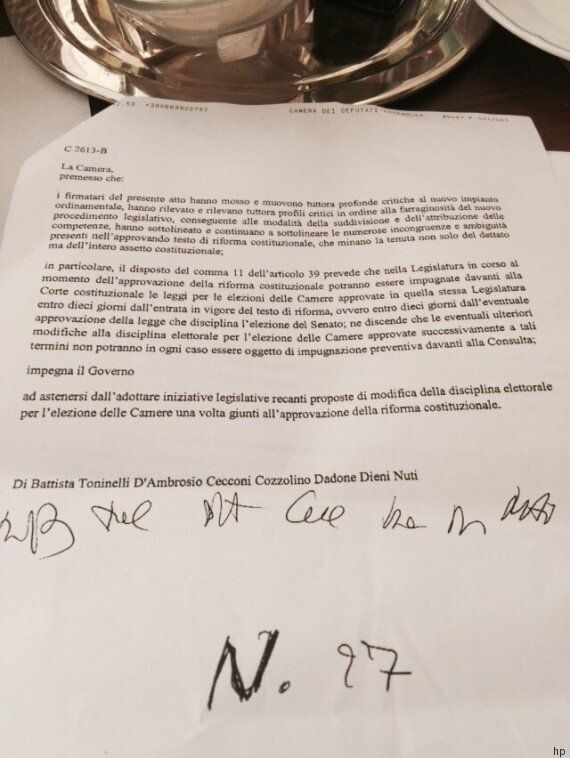 Italicum, il M5s presenta un ordine del giorno per blindarlo. Poi il dietrofront: