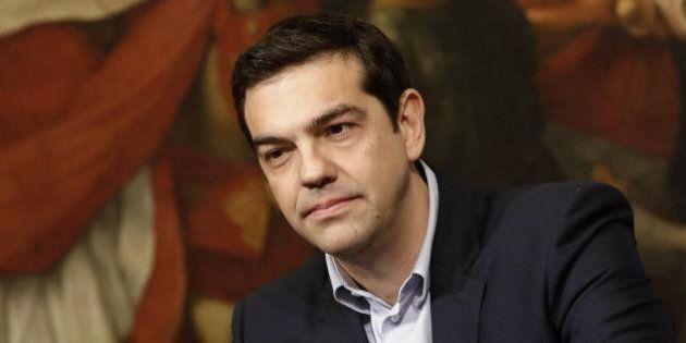 Grecia, Alexis Tsipras cerca la sponda russa. Nel giorno X dell'Eurogruppo il ministro degli esteri greco...